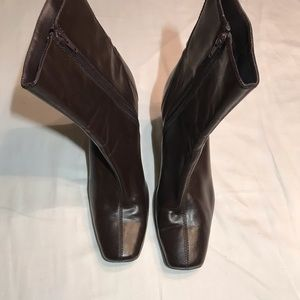 FLEXATION BY AEROSOLES BROWN BOOTS SIZE 8.5